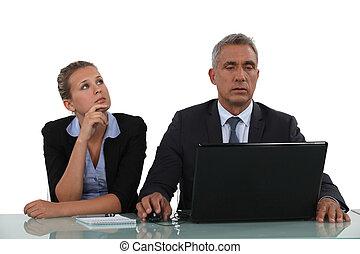 assistent, zijn, samen, werkende , zakenman