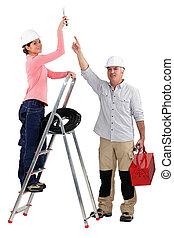 assistente, experimentado, seu,  tradesman, apontar