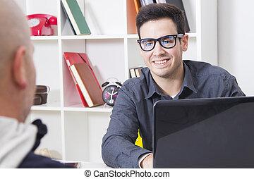 assister, client, bureau, homme affaires