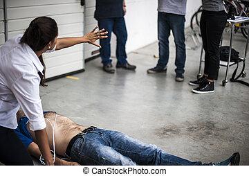 assisting, без сознания, спасатель, человек