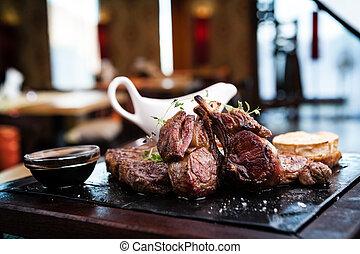 assorti, délicieux, biftecks