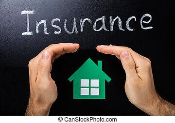 assurance, concept, sur, tableau noir