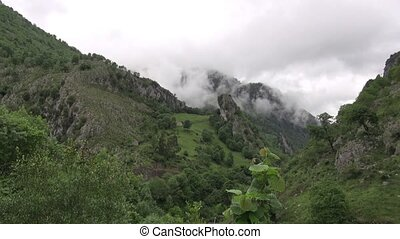 Asturias mountains fast - mountains in Asturias at Spain...