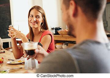 asztal, párosít, fiatal, reggeli, ülés