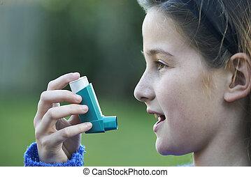 ataque asma, deleite, usando inalador, menina