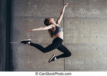 ataque, mujer joven, saltar, bailando, condición física, sport.
