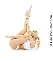 ataque, rubio, en, blanco, ropa interior, practicar, yoga