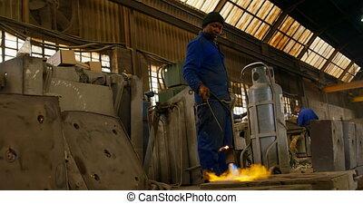 atelier, moules, mâle, 4k, ouvrier, chauffage