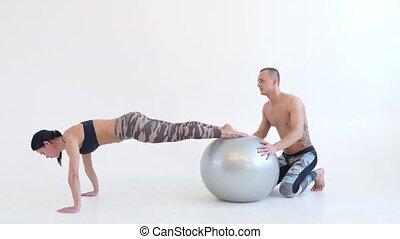 athlétique, femme, poussée, augmente