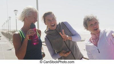athlétique, image, plage, femmes, prendre