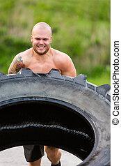 atléta, hím, gyakorlás, tire-flip