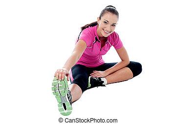 atlético, flexível, esticar mulher