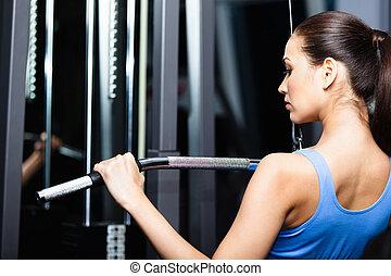 atlético, mulher jovem, trabalhos, saída, ligado, ginásio, treinamento