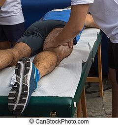 atlet, muskler, massage, efter, sport, workout