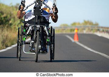 atleta del sillón de ruedas, solo