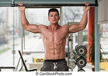 atleta masculino, hacer, tirón, aumentar