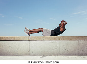 atleta, situps, contra, sky.
