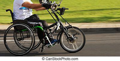 atleta, solo, acción, durante, maratón de silla de ruedas