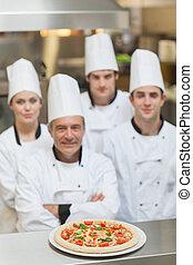 atrás, mostrador, chef, pizza, equipo
