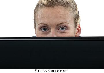 atrás, mujer, computadora, computador portatil, paliza