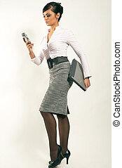 atractive, brunet, executiva, com, laptop, e, telefone