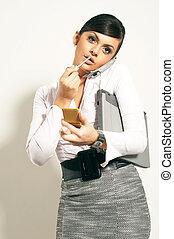 atractive, brunet, executiva, com, lipstic, telefone, olhar,...
