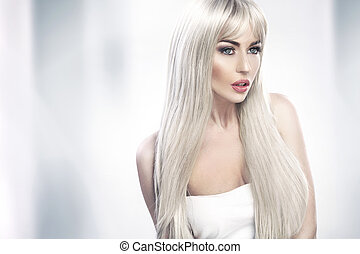 atractivo, mujer, joven, pelo largo, rubio