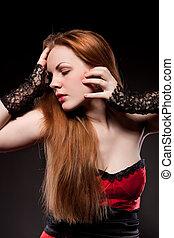 atraente, excitado, mulher, com, vermelho, cabelo longo, ligado, pretas