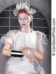 atraente, loiro, mulher, tocar, a, botão, em, virtual, interface