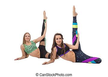 atraente, meninas, fazendo, esticar, exercícios