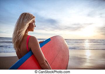 atraente, surfista
