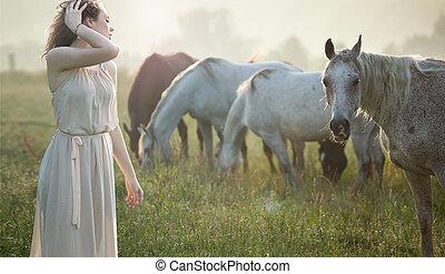 atraindo, morena, andar, perto, a, cavalos