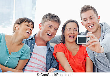 atteggiarsi, loro, gruppo, ridere, foto, fronte