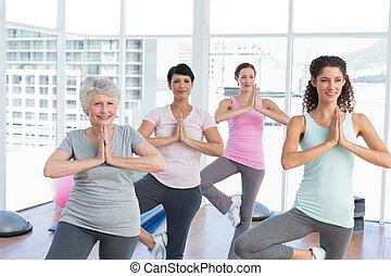 atteggiarsi, standing, yoga, namaste, classe