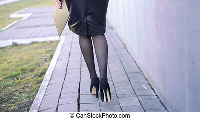 Attractive legs, shoes., heels, walking - Sexy legs in...