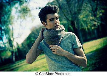attraente, giovane, bello, uomo, modello, di, moda, parco