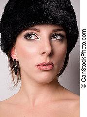 attraente, malinconico, giovane, in, uno, cappello inverno