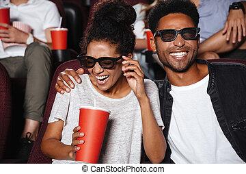 attraktiv, afro- amerikan, par, hålla ögonen på, 3, film