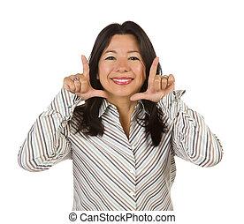 attraktiv, multiethnic, kvinna, med, räcker, inramning, ansikte