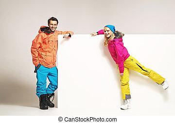 attraktiv, par, tröttsam, färgrik, vinter kläder