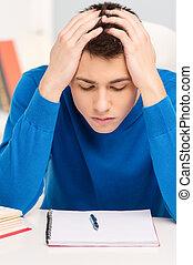 attraktiv, ung man, studera, lessons., stilig, pojke, tröttsam, blå, sweater, memorerande