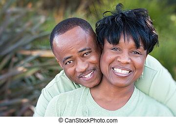 attraktive, amerikanische , frohes ehepaar, afrikanisch
