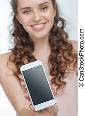 attraktive, junge frau, ausstellung, smartphone, fokus...