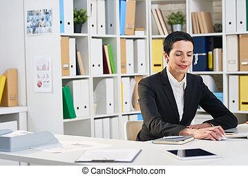 attraktive, manager, gewickelt, in, arbeit