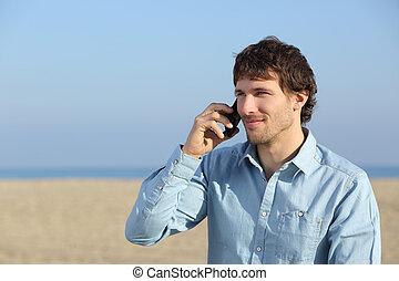 attraktive, mann- unterhaltung, telefon, strand