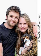 attraktive, paar, mit, familie haustier, hund