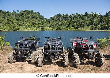 atvs, car, estacionado, lakeside