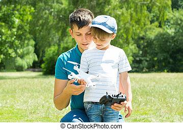 atya fiú, játék, noha, a, henyél