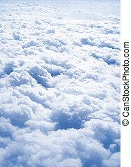 au-dessus, nuages