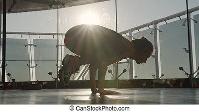 aube, yoga, exécute, asana., girl